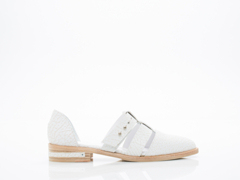 Freda Salvador In Ivory Textured Calf Lock