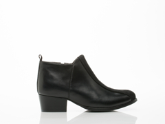 Frisur In Polished Black Afra Ankle Boot
