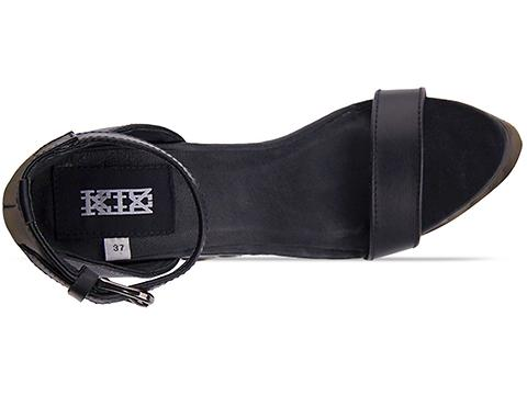 K.T.Z. In Black Black Sole Sandal Wood Curved Sole