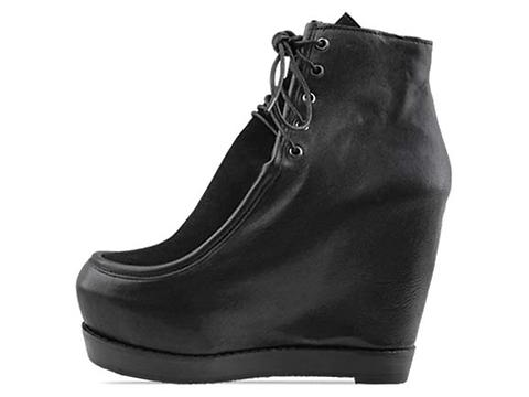 Kobe Husk In Matte Black Les Pied Boots
