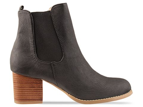 Marais USA In Black Chelsea 2
