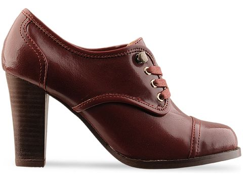 Marais USA In Burgundy Lace Up Heel
