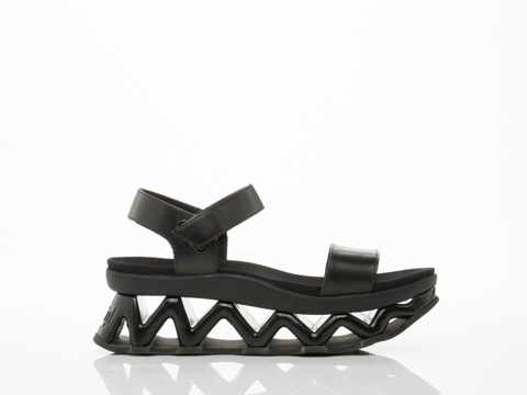 Marc by Marc Jacobs In Black Ninja Wave Sandal