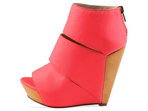Messeca In Neon Coral Coraline