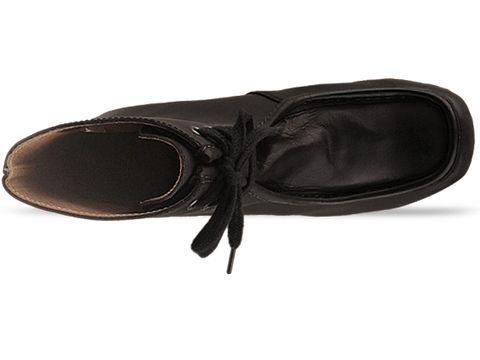 Minimarket In Black Leather Saga