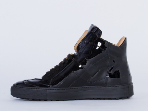 MM6 Maison Martin Margiela In Black Patent Patent Leather Sneaker