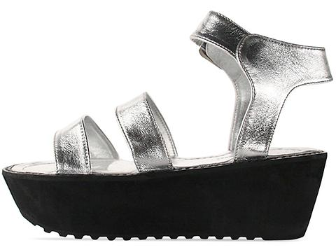 Shakuhachi In Silver Leather Strap Sandals