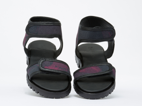 Shakuhachi In Red Black Petal Press Sandals
