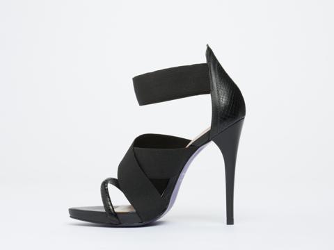 Studio Tmls In Black Black Heron Sandal