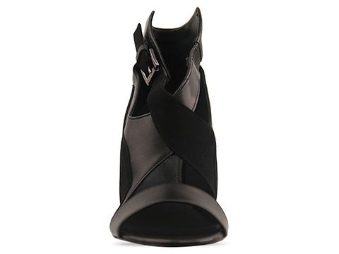 Surface To Air In Black Black Jivan Wedge V1