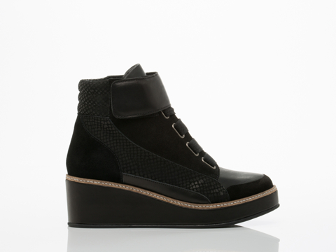 Surface To Air In Black Siastep Wedge