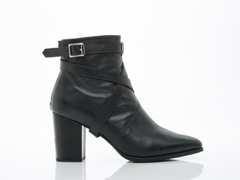 SYRO In Black Leather George