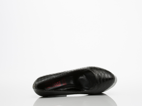 Takeout In Black Croc Perry