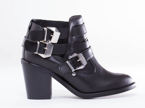 To Be Announced In Black Leather Trespass