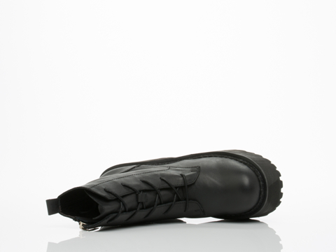 UNIF In Black Choke Boot
