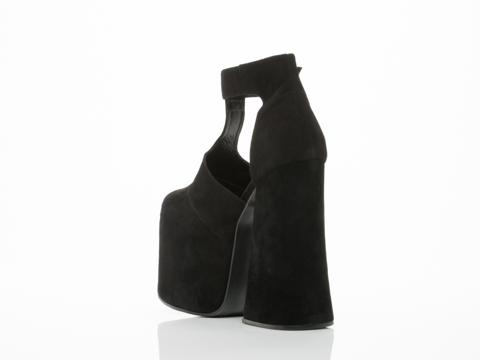 UNIF In Black Dame Platfom