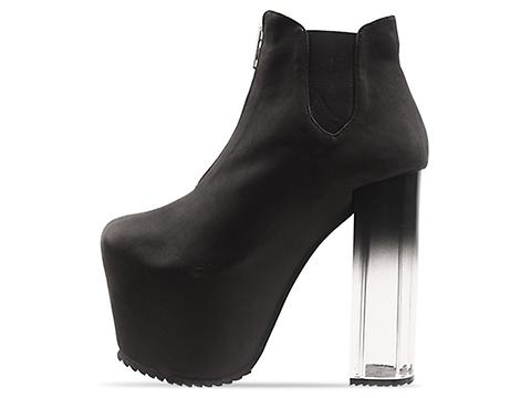 UNIF In Black Das Boot