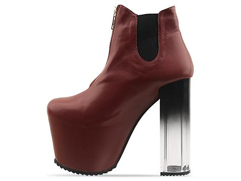 UNIF In Red Das Boot
