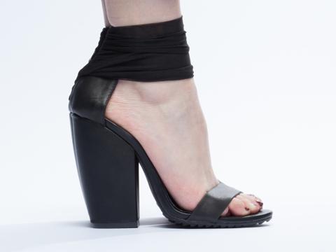 UNIF In Black Pyre Heel