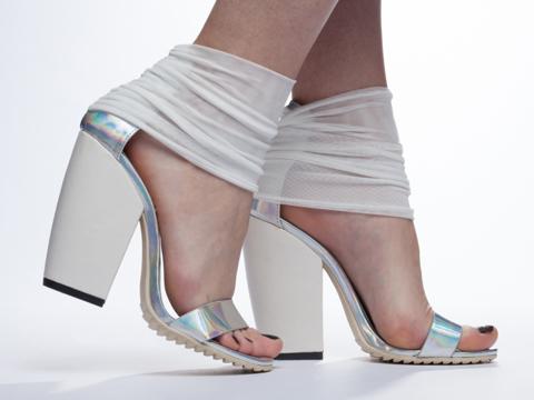 UNIF In Hologram Pyre Heel
