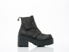 UNIF In Black Synapse Boot