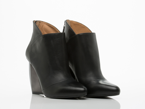 United Nude In Black Gun Sera Bootie