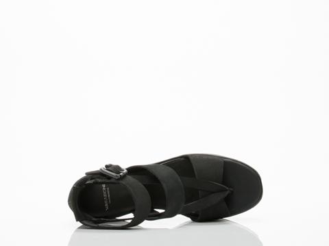 Vagabond In Black Avery 250