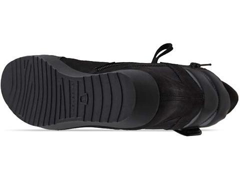 Vagabond In Black Edie 602