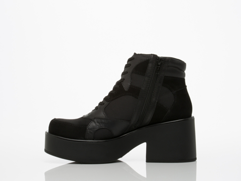 Vagabond In Black Emma 3845 102