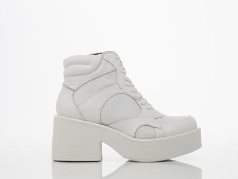 Vagabond In White Emma 3845 102
