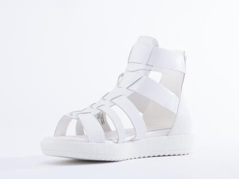 Vagabond In White Flora 001