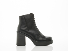 Vagabond In Black Tyra 4032 301
