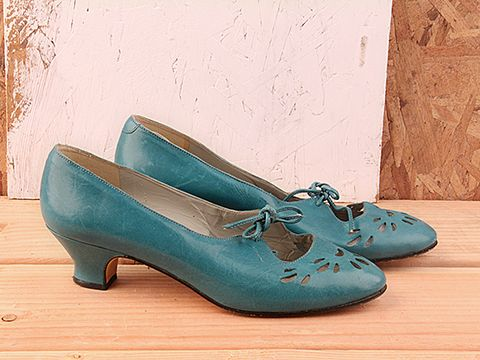 vintage kitten heel shoes heels zone