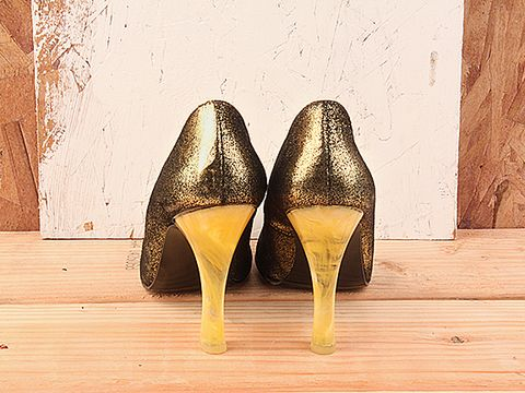 Vintage In Yellow No. 112 Gold Foil Pump with Lucite Heel Size 7.5