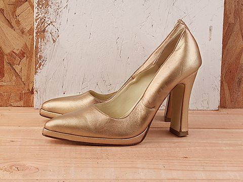Vintage In Gold Metallic No. 160 Gold Metallic Pointy toe Pump Size 7.5
