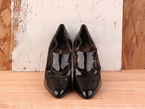 Vintage In Black No. 188 Black Patent t strap Pumps Size 6