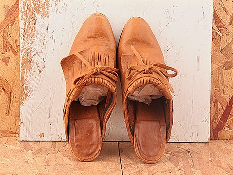 Vintage In Tan No. 276 Tan Leather Slipons With Wood Heel Size 6.5