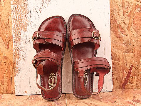 Vintage In Dark Red No. 363 Dark Red Leather Buckle Sandal Size 8