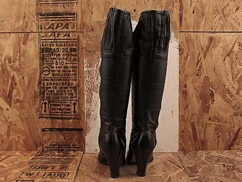 Vintage In Black No. 485 Black Heeled Zip Boot Size 6
