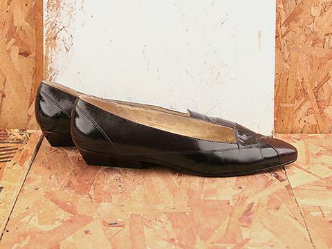 Vintage In Black x Brown No. 556 Black x Brown Pointy Toe Loafer Size 9
