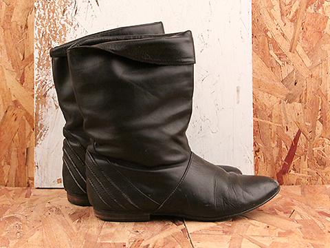 Vintage In Blueish Black No. 576 Black Leather Short Boot Size 6