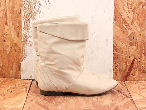 Vintage In Cream No. 596 White Leather Ankle Flat Boot SIze 6
