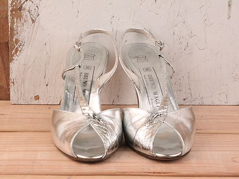 Vintage In Silver No. 9 Bruno Magli  Strappy Peep Toe Size 8