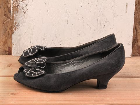 Vintage In Gray No. 95 Gray Suede peeptoe Kitten Heel Pump Size 7