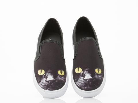 Y.R.U. In Black Chill Kitty