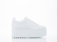 Y.R.U. In White White Lala 01
