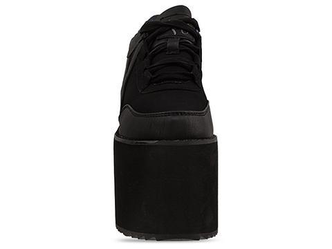 Y.R.U. In Black Qozmo