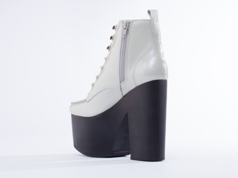 YES In Pearl Leather Galactic