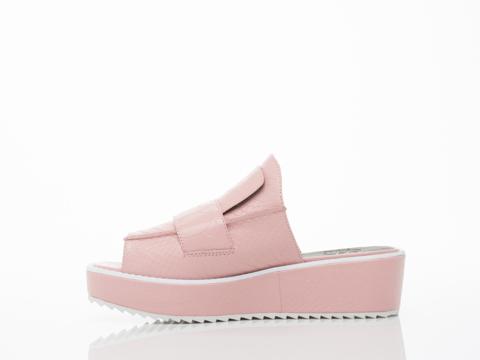 YES In Pink Gator Rockaway