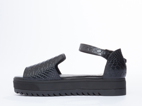 YES In Black Croco Roper